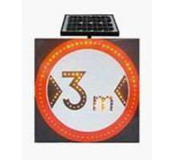 Дорожный знак на солнечной батареи ( ОГРАНИЧЕНИЕ ШИРИНЫ 3 МЕТРА )